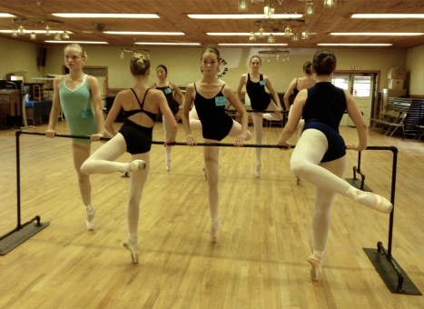 Pointe Class at the Barre